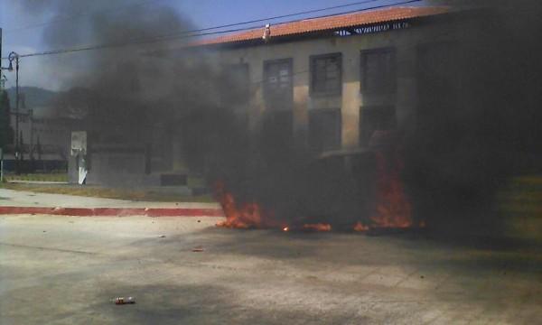 Destrozos durate manifestaciones magisteriales en Chiapas. Foto: Cortesía