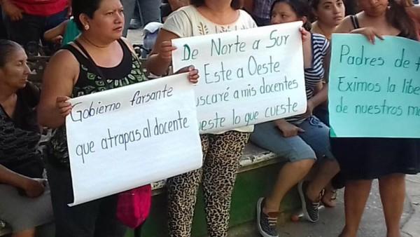 Manifestación de protesta por detenciones de maestrios. Foto: Cortesía