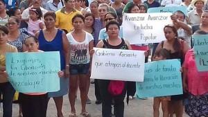 Madres de familia en apoyo a maestros. Foto: Cortesía