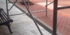La remodelación urgente de la oficina del nuevo secretario de Obras Públicas.
