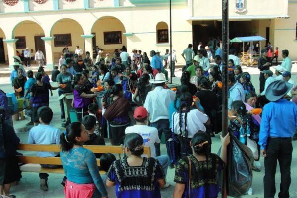 Tsotsiles de Chenalhó simpatizantes del nuevo alcalde