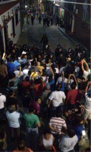 Momentos de tensión se vivió en Chiapa de Corzo.