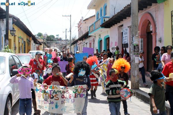 Niños, niñas y adolescentes toman las calles.