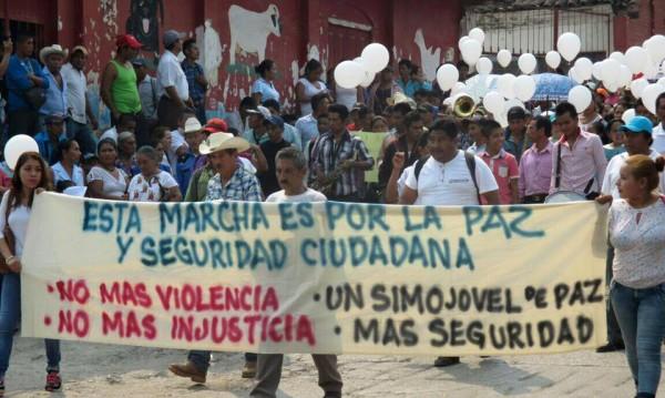 Miles marchan en Simojovel. Foto: Cortesía