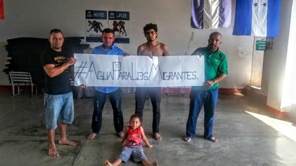 #AguaParaLosMigrantes