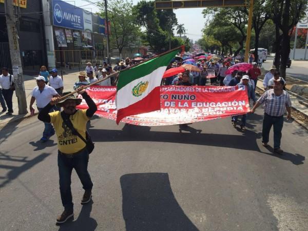 Maestros sumaron el apoyo de padres de familia a su movimiento. Foto: Chiapas Paralelo