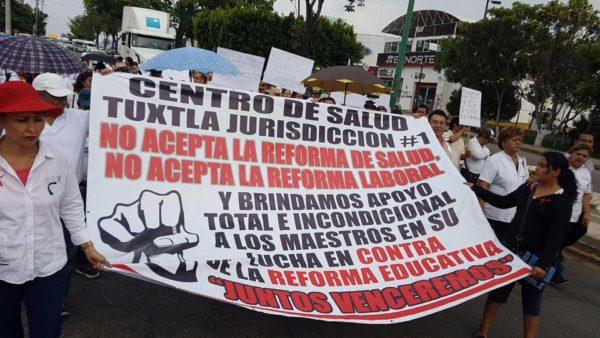 Médicos y enfermeras, contra la reforma en materia de salud pública