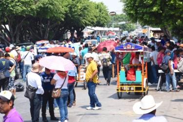 La movilización del magisterio este jueves en la zona norte de la ciudad. Foto: Óscar León/ Chiapas PARALELO.