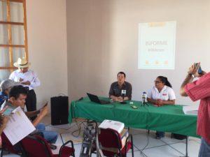 Eduardo Flores, director de Liga Laba y Sandra de los Santos de Chiapas Paralelo presentaron el reporte semestral de Cabildo Ciudadano. Ambas organizaciones trabajan en el proyecto de transparencia y acceso a la información pública.
