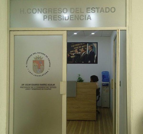 La oficina de la presidencia de la mesa directiva del Congreso del Estado fue remodelada con recursos públicos.
