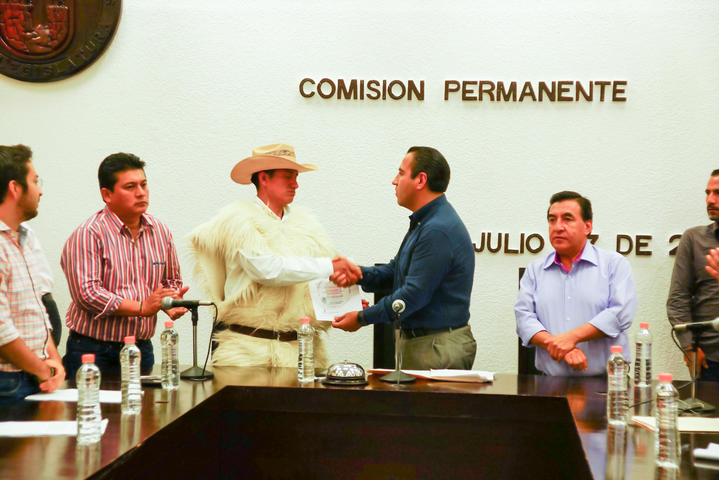<a class=&quot;amazingslider-posttitle-link&quot; href=&quot;http://www.chiapasparalelo.com/noticias/chiapas/2016/07/nombran-alcalde-en-chamula/&quot;>Nombran nuevo alcalde de San Juan Chamula</a>