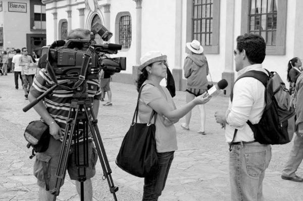"""""""¿En qué les afecta el bloqueo?"""". Foto: Toledo/Guzmán"""