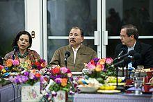 Daniel_Ortega,_Presidente_de_Nicaragua_recibe_a_delegación_del_Ecuador_(9571730174)