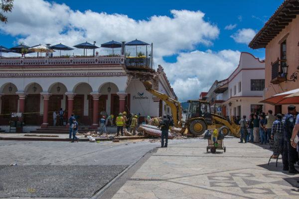"""Maquinaria sostiene la estructura del restaurante """"Sabor a mi"""""""