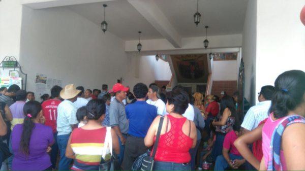 Toman seguidores de los hermanos Molina Gómez la alcaldía de Chiapa de Corzo