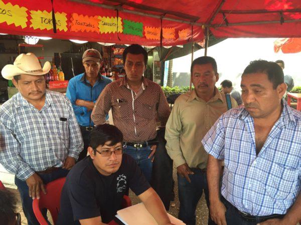 Líderes de comunidades indígenas zoques de Francisco León