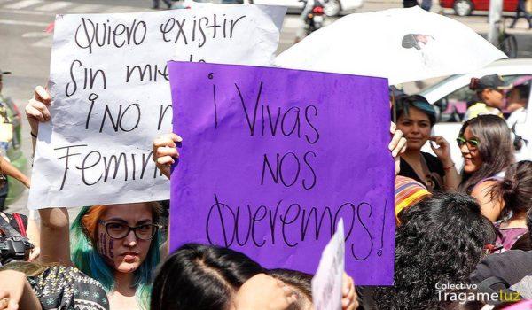 En su mayoría jóvenes; mujeres de Ecatepec, Coyoacan y diversas geografías de la Ciudad de México, una misma demanda: No más violencia en contra de la mujeres.