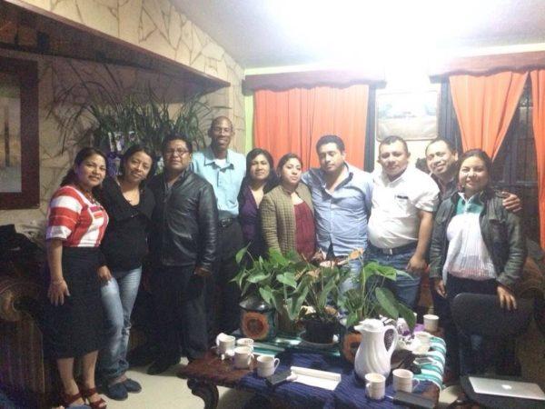 Fueron a estudiar a Cuba y regresaron como médicos