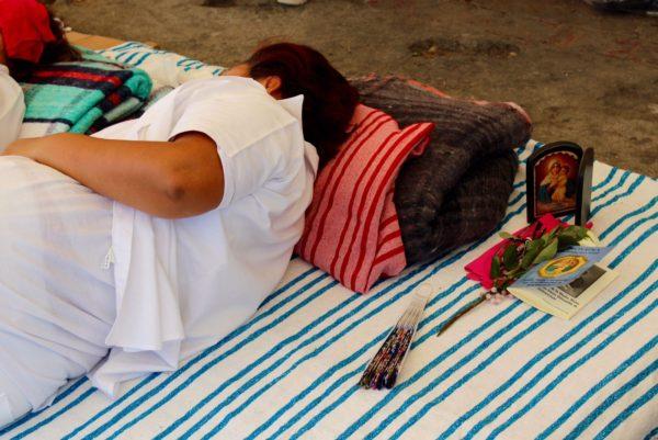 Se estabiliza la salud de enfermera en huelga de hambre