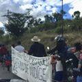 """Indígenas desplazados de Chiapas inician """"Caravana pies de cansados"""" para exigir ser atendidos. Foto: Raúl Vera"""