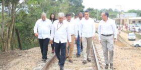 Andrés Manuel López Obrador y Rutilio Escandón en el inicio del Tren Maya.