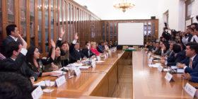 Un priísta para el interinato en Puebla