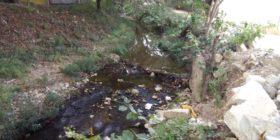 Río San Agustín contaminado.
