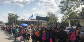 México abre las puertas a caravana migrante.