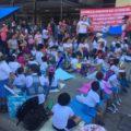 Niños y niñas de kinder protestan frente al Palacio Estatal para que reconstruyan su escuela