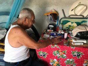 Don Benignio, tiene 93 años y sobrevive con 1000 pesos al mes