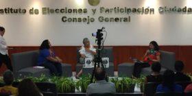 Durante la presentación del informe en el IEPC. Foto: Isain Mandujano/Chiapas PARALELO.