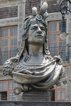 Busto de Cuauhtémoc.