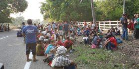 Migrantes son retenidos en redada. Foto: Juan Manuel del Valle