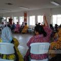 Comunidad rarámuri se defiende de intento de desalojo y director de asentamientos abandona reunión