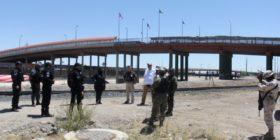 Activa México 'muro humano' con militares en la frontera por Ciudad Juárez