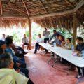 Reunión cerrada que organizó el presidente municipal de Chilón, con consejeras y antropólogos del INAH