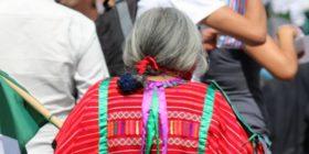 Adulta mayor indígena es acusada de apropiarse de recurso social que no recibió