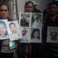 ¡Abran la frontera!: madres migrantes encuentran cinco hijos en caravana