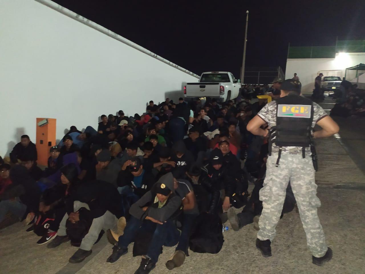 Rescatan a 292 migrantes cuando eran trasladados en Chiapas