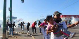 """CNDH condena agresión contra familiares de los 43 normalistas desaparecidos de Ayotzinapa por parte del Gobierno de Chiapas.  Foto: E.NR. """"Mactumatzá"""""""