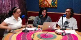 Aspectos de una de las transmisiones en Radio Universidad. Fotografía: APEG.