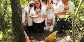 Los familiares se trasladaron hasta Utah y realizar oraciones en el lugar donde fue encontrada.