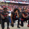 Puño alzado Colin Kaepernick: una rodilla eterna. El jugador de fútbol americano se hincó durante el himno de Estados Unidos para protestar contra la violencia de la policía. Hoy, el gesto se transformó en el estandarte de la lucha tras el homicidio de George Floyd http://bit.ly/3h8fXRJ