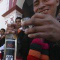 El pox siempre está presente en fiestas o ceremonias religiosas y es de gran importancia para la comunidad en los Altos de Chiapas. Cortesía: Travel Report.