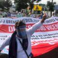 """""""Las cárceles no alcanzarán para podernos meter a todos""""; trabajadores de la salud marchan para exigir la liberación de Grajales Yuca"""
