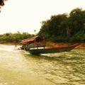 . Transporte en lancha por el Río Usumacinta, Frontera Corozal. Cortesía: Diana Ustral.