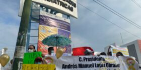 Con cáncer, niños y niñas marchan por sus quimioterapias Foto: Andrés Domínguez