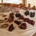 Con las semillas se elaboran diversas piezas de joyería. Cortesía: Aventuras Chankin