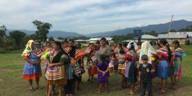 «Nosotros somos los que cuidamos nuestra tierra», sostuvieron hombres y mujeres de la Selva Lacandona. Foto: Ángeles Mariscal.