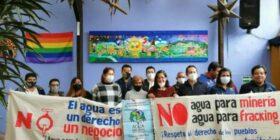 """""""El agua no se vende, se ama y se defiende"""". Cortesía: Nidia Vicente."""